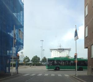 En hamnstad ska bli en kuststad samtidigt som Sveriges andra största hamn utvecklas