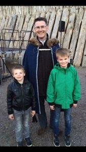 Valborgsfirandet på Trelleborgen förra året. Här med Albin och Adam.