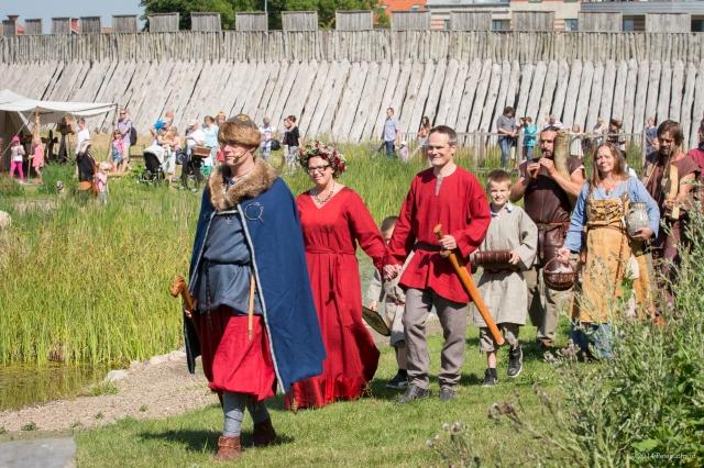 Vikingavigsel på Trelleborgen  Foto: Peter Löfqvist