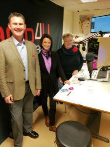 På plats i studion hos Radio Framtidstro med Ameli Rosenqvist och Britta Brinck-Nehlin