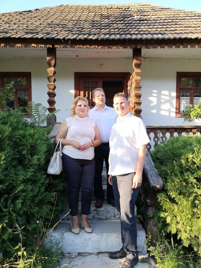 Ulf och två rotarianer i Moldavien