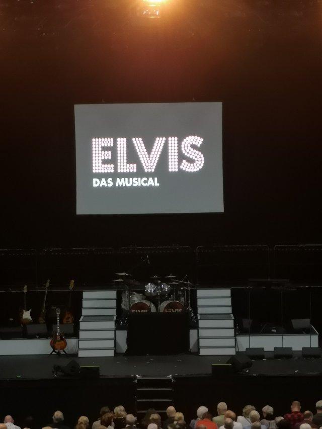 Scenen redo för musikalen Elvis
